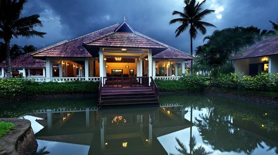 Take it easy in another luxurious accommodation, this time by the serene banks of Vembanad Lake