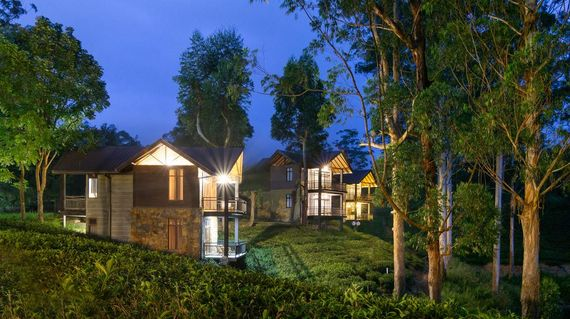 Savor the natural atmosphere of this resort located in the middle of tea plantations and surrounded by the Castlereigh Reservoir.