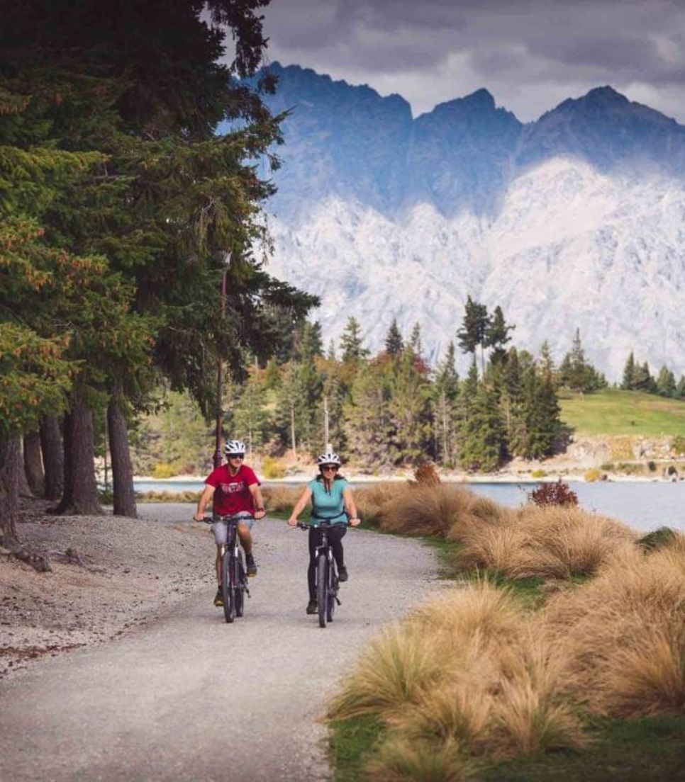 Ride from Arrowtown back to Queenstown on a joyful day out
